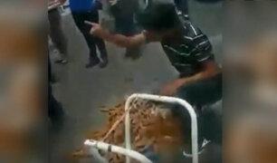 VIDEO: ambulante pisa todos sus churros antes que se los decomisen