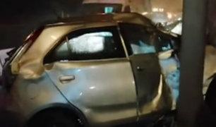 San Borja: auto chocó violentamente contra un poste en Panamericana Sur