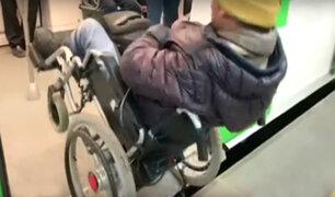 VES: Metro de Lima se pronuncia sobre hombre en silla de ruedas que cayó por falta de rampa