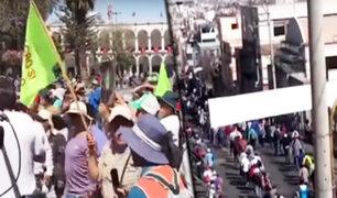 Tía María: manifestantes se enfrentan a policías en tercer día de huelga