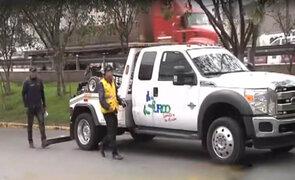 Surco: municipio se disculpa por mover auto de vecina