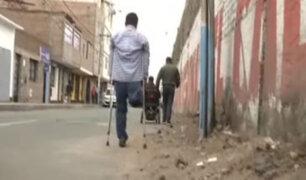 Callao: personas con discapacidad exponen sus vidas ante falta de veredas adecuadas