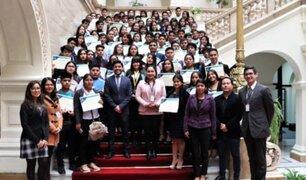 Casi 200 jóvenes se graduaron de carreras técnicas gracias a proyecto de la MML