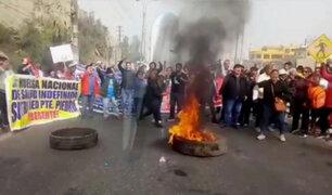 Chaclacayo: trabajadores del Minsa bloquearon Carretera Central por paro indefinido