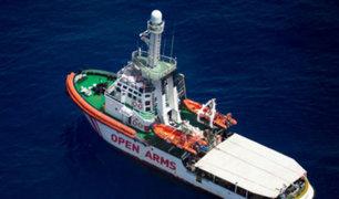 Italia impide desembarcar a barco con 138 migrantes africanos