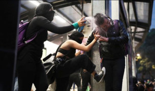 México: manifestación feminista termina fuera de control