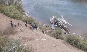 Tragedia en Huánuco: camión cae al abismo dejando al menos 3 muertos