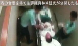 Hong Kong: policías agreden a hombre en camilla de hospital