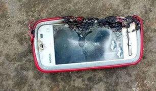 Adolescente murió electrocutado por usar celular mientras se cargaba