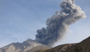 Volcán Ubinas: reportan nueva expulsión de cenizas tras un mes de calma