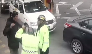 Surco: hombre que intentó robar en grifo insultó a policías que lo detuvieron
