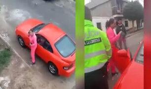 Chimbote: mujer extranjera destruye auto de expareja