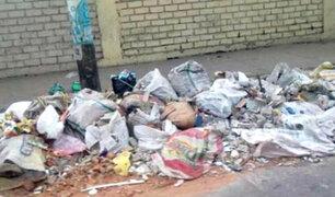 Cañete: investigarán a presuntos trabajadores municipales por arrojo de basura en botadero ilegal