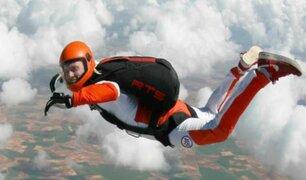 El dramático momento en que paracaidista se estrella contra montaña
