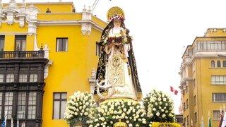 Procesión de Santa Rosa de Lima recorre calles del Centro Histórico