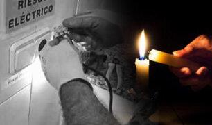 Los Olivos: delincuentes cortan electricidad para robar vivienda