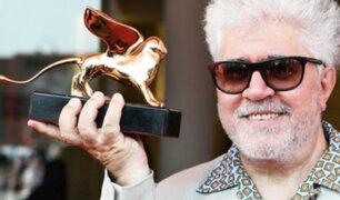 """Pedro Almodóvar recibe el """"León de Oro"""" en Festival de Venecia"""