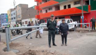 Colocan tranqueras en emporio de Gamarra para impedir transporte informal