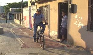 Callao: familias construyen viviendas temporales en medio de ciclovía