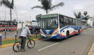 Chorrillos: ciclista impidió circulación de bus por el carril opuesto