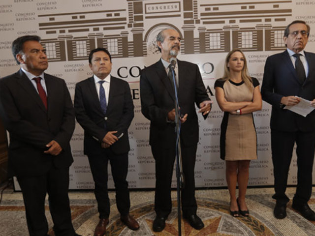 Apra emite comunicado tras declaraciones de Del Solar sobre Alan García