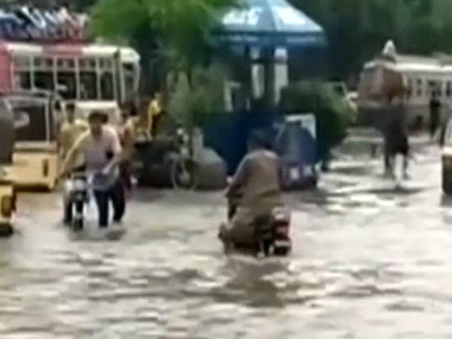Lluvias dejan decenas de muertos en Pakistán e India