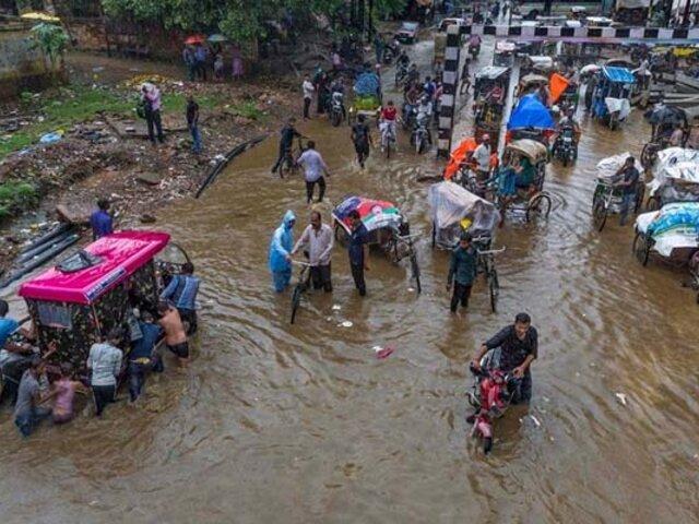 India: inundaciones dejan casi 200 fallecidos y un millón de desplazados