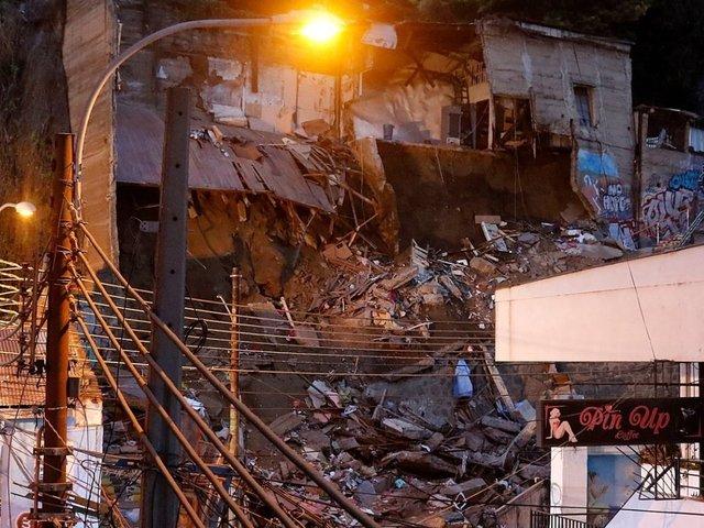 Chile: 6 muertos dejó derrumbe de casa en Valparaíso