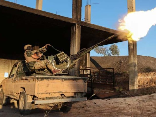 Siria: Fuerzas yihadistas derriban avión del Ejército y capturan al piloto