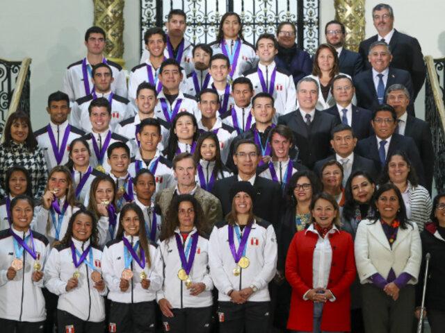 Lima 2019: condecoran a medallistas peruanos en Palacio de Gobierno