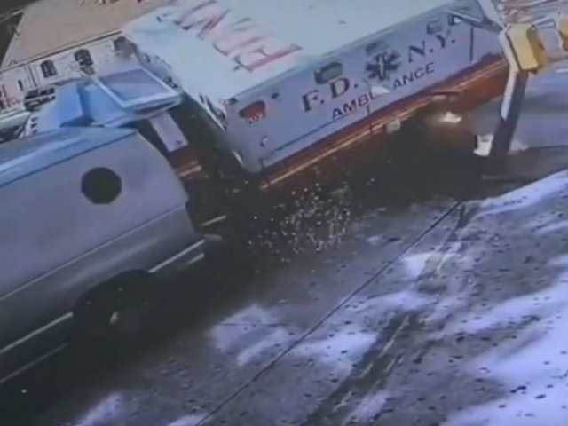 EEUU: choque de dos ambulancias deja cuatro heridos
