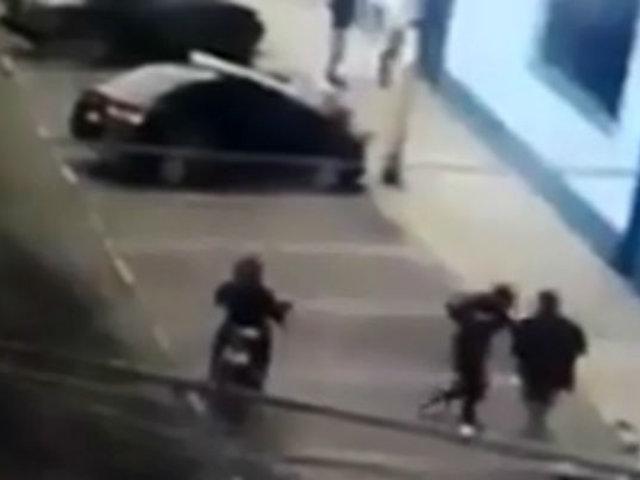 Barranca: captan asalto a frente a municipalidad