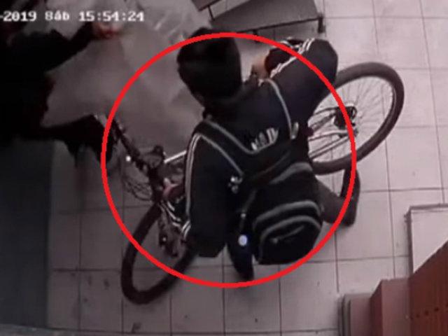 Jesús María: ladrones se llevan bicicletas en cuestión de segundos