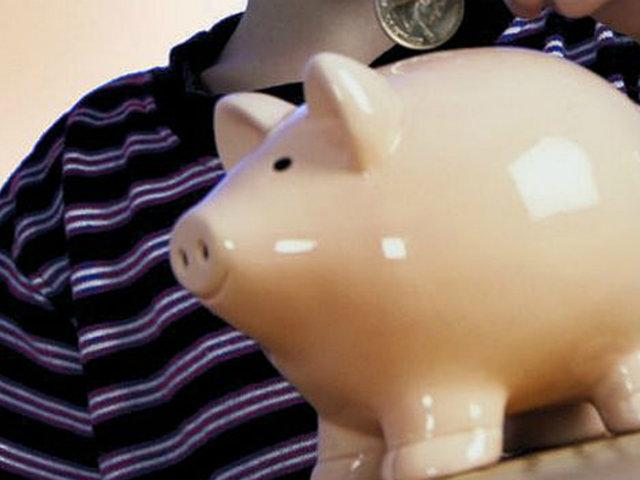 Conozca la manera de inculcarles prácticas de ahorro a tus hijos