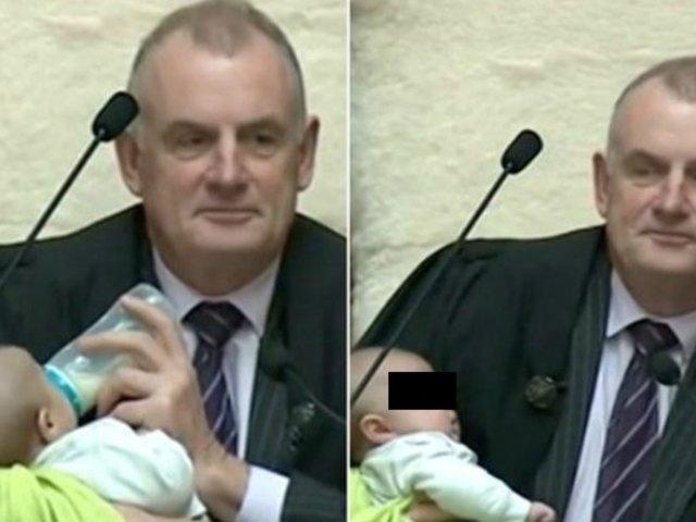 Nueva Zelanda: Presidente del Parlamento cuida a bebé de diputado en pleno debate