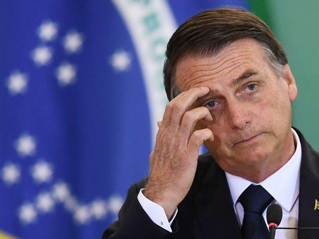 Bolsonaro ordenaría despliegue del Ejército para extinguir incendios en el Amazonas