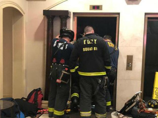EEUU: el terrible momento en que un hombre muere aplastado por un ascensor