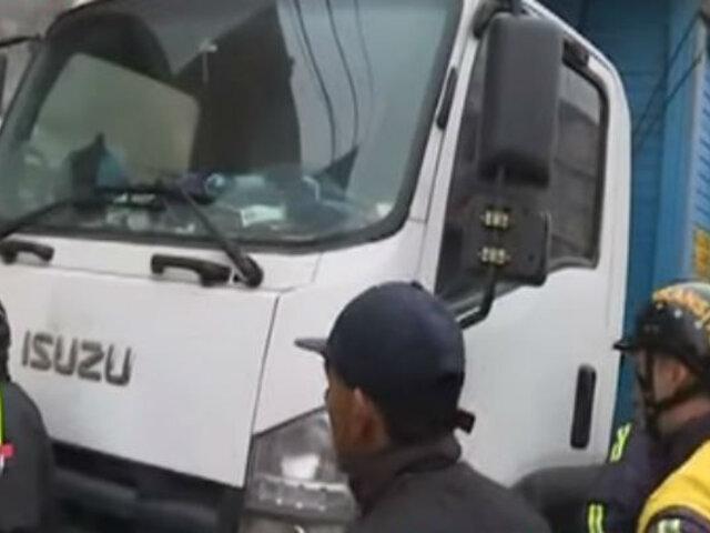 La Victoria: retiran camiones de avenida Nicolás Arriola