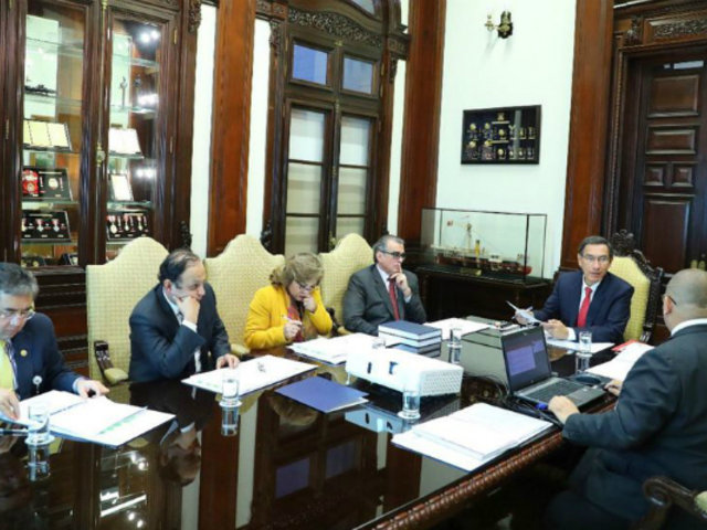 Vizcarra y Olaechea habrían ultimado detalles para reunión tras sesión del Consejo