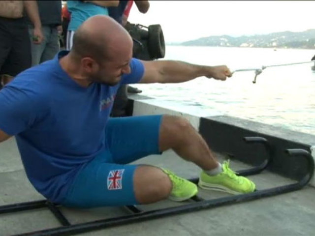 Georgia: movió un barco de 200 toneladas con un solo dedo