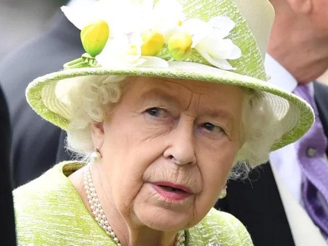 Reino Unido: Reina Isabel II acepta suspender el Parlamento