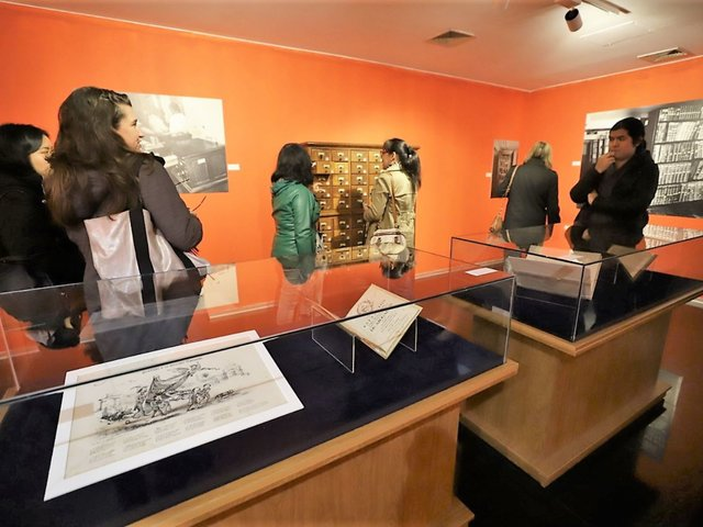 BNP: exponen manuscritos de César Vallejo, Ricardo Palma y Clorinda Matto de Turner