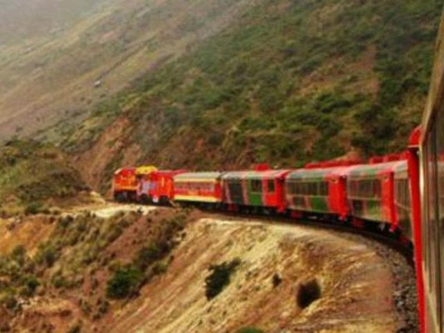 Turistas deslumbrados por travesía del Ferrocarril Central Andino de Lima-Huancayo
