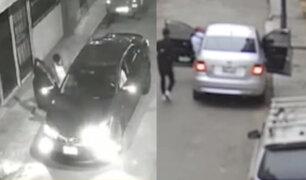 Surco: cámaras de seguridad registran cómo operan ladrones de taxistas por aplicativo