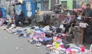 Los cachineros: comerciantes informales invaden Av. Nicolás Ayllón las 24 horas