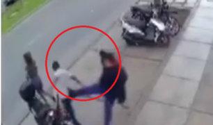 Surco: hombre pateó a delincuente que quiso robarse su motocicleta