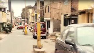 Insólito: postes de luz están colocados en medio de una avenida en SJM