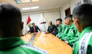 Estudiantes prepoliciales que ayudaron a capturar ladrones fueron reconocidos por ministro del Interior