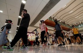 Hong Kong: cientos de personas bloquean las principales estaciones de trenes