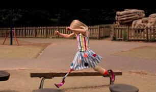 EEUU: niña con piernas amputadas desfila en Semana de la Moda de Nueva York